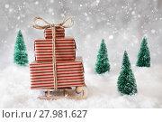 Купить «Christmas Sled On Snow With White Background, Snowflakes And Stars», фото № 27981627, снято 26 марта 2019 г. (c) PantherMedia / Фотобанк Лори