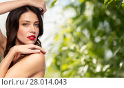 Купить «beautiful smiling young woman with red lipstick», фото № 28014043, снято 5 января 2018 г. (c) Syda Productions / Фотобанк Лори