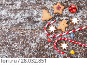 Купить «Festive Christmas background with sweets and decoration», фото № 28032851, снято 23 марта 2019 г. (c) PantherMedia / Фотобанк Лори