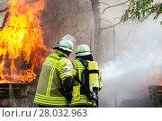 Купить «fire conflagration catastrophe discharge calamity», фото № 28032963, снято 26 апреля 2018 г. (c) PantherMedia / Фотобанк Лори