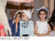 Купить «Бабу Ягу боятся не все! Новогодний утренник в детском саду», фото № 28071051, снято 16 июля 2018 г. (c) Юрий Кирсанов / Фотобанк Лори