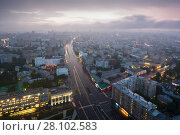 Купить «Garden ring street at summer morning in Moscow, view from business center Weapon, Russia», фото № 28102583, снято 23 мая 2016 г. (c) Losevsky Pavel / Фотобанк Лори