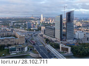 Residential building under construction, Third Transport Ring, river in Moscow, Russia (2015 год). Стоковое фото, фотограф Losevsky Pavel / Фотобанк Лори