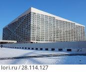 Купить «Монолитно-кирпичный дом переменной этажности (13-15 этажей). Апарт-комплекс «Лайнер-Восток». Ходынский бульвар, 2. Хорошевский район. Москва», эксклюзивное фото № 28114127, снято 27 февраля 2018 г. (c) lana1501 / Фотобанк Лори