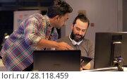 Купить «creative team with tablet pc works at night office», видеоролик № 28118459, снято 29 января 2018 г. (c) Syda Productions / Фотобанк Лори