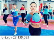 Купить «woman is training box exercises», фото № 28139383, снято 8 октября 2017 г. (c) Яков Филимонов / Фотобанк Лори
