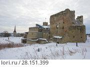 Купить «Руины средневекового замка Ливонского рыцарского ордена крупным планом облачным мартовским днем. Раквере, Эстония», фото № 28151399, снято 8 марта 2018 г. (c) Виктор Карасев / Фотобанк Лори