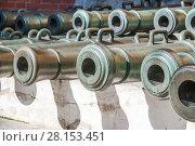 Купить «Бронзовые пушки в Московском Кремле», фото № 28153451, снято 26 сентября 2015 г. (c) Алёшина Оксана / Фотобанк Лори
