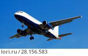 Купить «Passenger plane departing in afternoon», фото № 28156583, снято 20 июня 2019 г. (c) Яков Филимонов / Фотобанк Лори