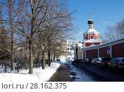 Купить «Москва, Зачатьевский монастырь зимним солнечным днем», фото № 28162375, снято 27 февраля 2018 г. (c) Natalya Sidorova / Фотобанк Лори
