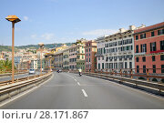 Overpass on waterfront in residential area in Genoa, Italy at sunny summer day (2016 год). Стоковое фото, фотограф Losevsky Pavel / Фотобанк Лори