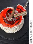 Купить «delicious torte layered with cream cheese», фото № 28178251, снято 3 марта 2018 г. (c) Oksana Zh / Фотобанк Лори