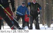 Купить «KAZAN, RUSSIA - March, 2018: skiers running skating step in winter in the woods», видеоролик № 28183759, снято 9 апреля 2020 г. (c) Константин Шишкин / Фотобанк Лори
