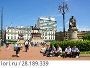 Купить «Площадь короля Георга в Глазго, Великобритания», фото № 28189339, снято 7 июня 2013 г. (c) Natalya Sidorova / Фотобанк Лори