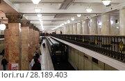 Купить «Moscow, Russia - March 17. 2018. interior of metro station Komsomolskaya of Sokolnicheskaya Line», видеоролик № 28189403, снято 17 марта 2018 г. (c) Володина Ольга / Фотобанк Лори
