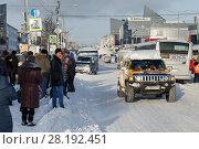 Купить «Городская дорога после снегопада», фото № 28192451, снято 27 декабря 2017 г. (c) А. А. Пирагис / Фотобанк Лори
