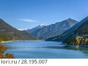 Купить «Zhinvali reservoir, Georgia», фото № 28195007, снято 6 октября 2017 г. (c) Boris Breytman / Фотобанк Лори
