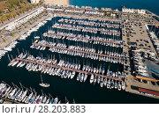 Купить «View from drone to marina of Barcelona», фото № 28203883, снято 24 декабря 2017 г. (c) Яков Филимонов / Фотобанк Лори