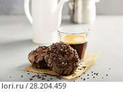 Купить «Chocolate donut with espresso», фото № 28204459, снято 12 марта 2018 г. (c) Елена Веселова / Фотобанк Лори