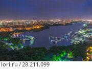 Купить «Khimki reservoir, residential district and city panorama at night in Moscow, Russia. I have only one version of the photo with sharpening», фото № 28211099, снято 1 июня 2014 г. (c) Losevsky Pavel / Фотобанк Лори