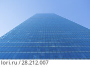 High glass blue building with many windows and blue clear sky (2015 год). Стоковое фото, фотограф Losevsky Pavel / Фотобанк Лори