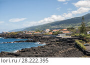 Azores, the shore of Atlantic ocean in the town of San Roque do Pico (2012 год). Стоковое фото, фотограф Юлия Бабкина / Фотобанк Лори