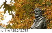 Купить «Bologna, Italy: Giuseppe Garibaldi Monument», видеоролик № 28242715, снято 27 ноября 2017 г. (c) BestPhotoStudio / Фотобанк Лори