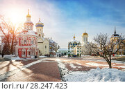 Купить «В Лавре солнечно Chapel and temples of the Lavra in Sergiev Posad», фото № 28247423, снято 3 марта 2018 г. (c) Baturina Yuliya / Фотобанк Лори