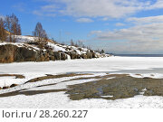 Купить «Snow-covered Harakka (magpie) Island in Baltic Sea. Helsinki, Finland», фото № 28260227, снято 23 марта 2018 г. (c) Валерия Попова / Фотобанк Лори