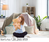 Купить «cute little girl hugging teddy bear at home», фото № 28260959, снято 31 июля 2013 г. (c) Syda Productions / Фотобанк Лори