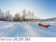 Photographer with camera making a photo (2018 год). Редакционное фото, фотограф Чебеляев Геннадий / Фотобанк Лори