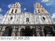 Купить «Iglesia La Compania de Jesus church (Templo del Espiritu Santo), Puebla Historic Center, Mexico», фото № 28309255, снято 11 декабря 2019 г. (c) BE&W Photo / Фотобанк Лори