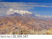 View of Mount Illamani near La Paz, Bolivia, South America. Стоковое фото, агентство BE&W Photo / Фотобанк Лори