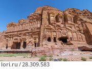 The Corinthian Tomb and the Palace Tomb of the Royal Tombs in the rock city of Petra, Jordan. Стоковое фото, агентство BE&W Photo / Фотобанк Лори