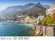 View of the beautiful town of Amalfi at famous Amalfi Coast with Gulf of Salerno, Campania, Italy. Стоковое фото, агентство BE&W Photo / Фотобанк Лори