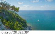 Купить «Panoramic sea view from the high shore  rotation  timelapse», видеоролик № 28323391, снято 10 сентября 2017 г. (c) Кирилл Трифонов / Фотобанк Лори