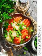 Купить «Soup with green peas», фото № 28324807, снято 22 декабря 2017 г. (c) Надежда Мишкова / Фотобанк Лори