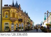 Купить «center of Kaposvar, Hungary», фото № 28336655, снято 1 ноября 2017 г. (c) Яков Филимонов / Фотобанк Лори