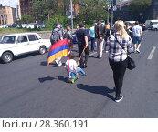 Купить «Улицы Еревана в мае 2018», фото № 28360191, снято 2 мая 2018 г. (c) Агата Терентьева / Фотобанк Лори