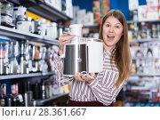 Купить «girl in delight from new devices electronics», фото № 28361667, снято 12 декабря 2017 г. (c) Яков Филимонов / Фотобанк Лори