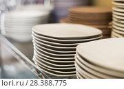 Купить «dish for table appointment in the tableware store», фото № 28388775, снято 29 ноября 2017 г. (c) Яков Филимонов / Фотобанк Лори