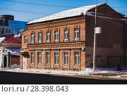 Купить «Второй дом усадьбы Набатовых в г. Уфе», фото № 28398043, снято 31 марта 2018 г. (c) Коротнев / Фотобанк Лори