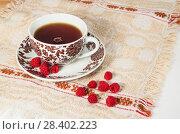 Купить «Чай с малиной», фото № 28402223, снято 12 декабря 2018 г. (c) Светлана Кузнецова / Фотобанк Лори