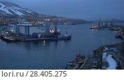 Купить «Вечерний вид на порт в Петропавловске-Камчатском», видеоролик № 28405275, снято 14 мая 2018 г. (c) А. А. Пирагис / Фотобанк Лори