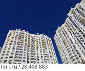 Купить «Typical multi-storey houses in Khimki, Russia», фото № 28408883, снято 10 мая 2018 г. (c) Володина Ольга / Фотобанк Лори