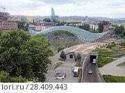 Купить «Мост Мира. Грузия, город Тбилиси», эксклюзивное фото № 28409443, снято 13 июля 2017 г. (c) Алексей Гусев / Фотобанк Лори