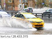 Купить «Hyundai Solaris», фото № 28433315, снято 2 мая 2018 г. (c) Art Konovalov / Фотобанк Лори