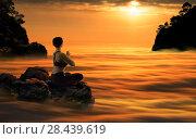 Купить «Yoga Woman Meditating At Sundown», фото № 28439619, снято 30 апреля 2018 г. (c) Владимир Мельников / Фотобанк Лори