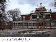 Купить «Рязань. Бывшее здание Летнего дворянского собрания», фото № 28443167, снято 7 апреля 2018 г. (c) УНА / Фотобанк Лори