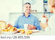 Купить «Mature couple have breakfast», фото № 28455599, снято 26 июня 2019 г. (c) Яков Филимонов / Фотобанк Лори
